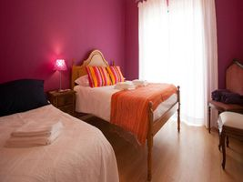 Ericeira Chill Hill Hostel & Private Rooms - Sea Food