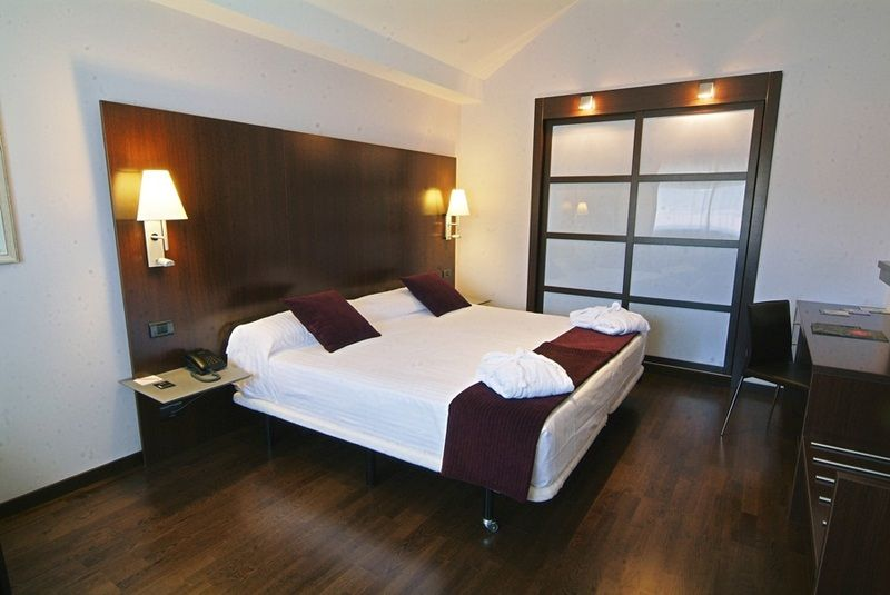 Eurostars reina felicia con traventia - Hotel reina felicia ...